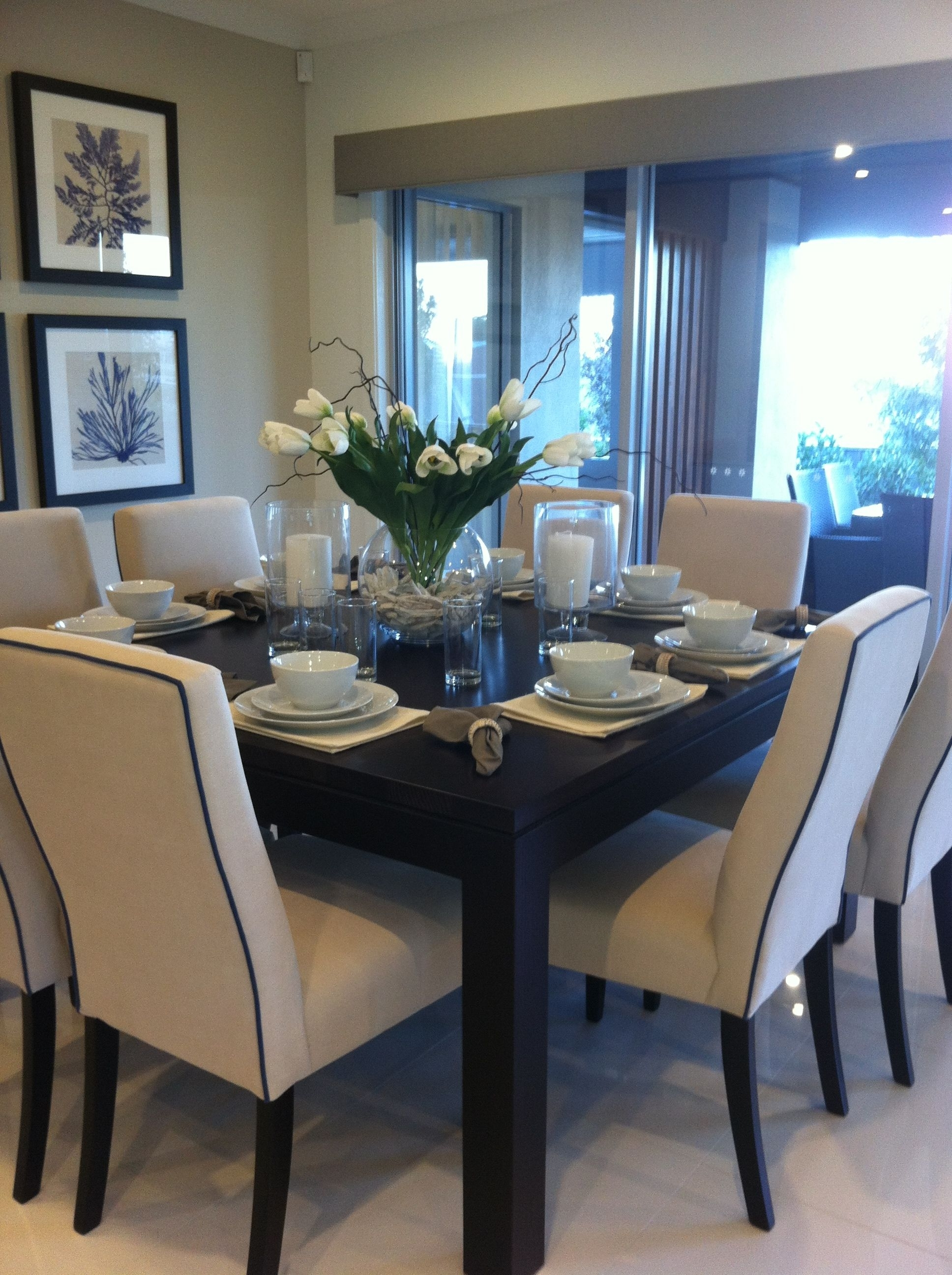 Featured Photo of 8 Seater Black Dining Tables