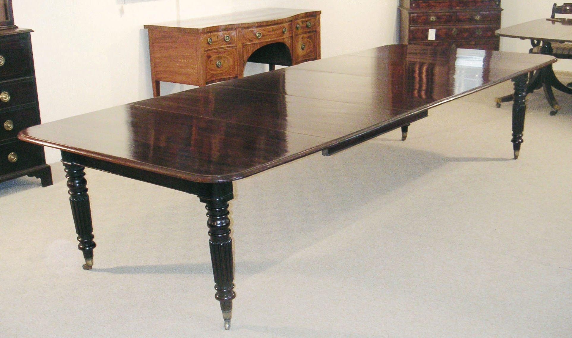 Popular Extending Dining Table With 10 Seats Throughout Mahogany Extending Dining Table To Seat 10 14 (C (View 22 of 25)