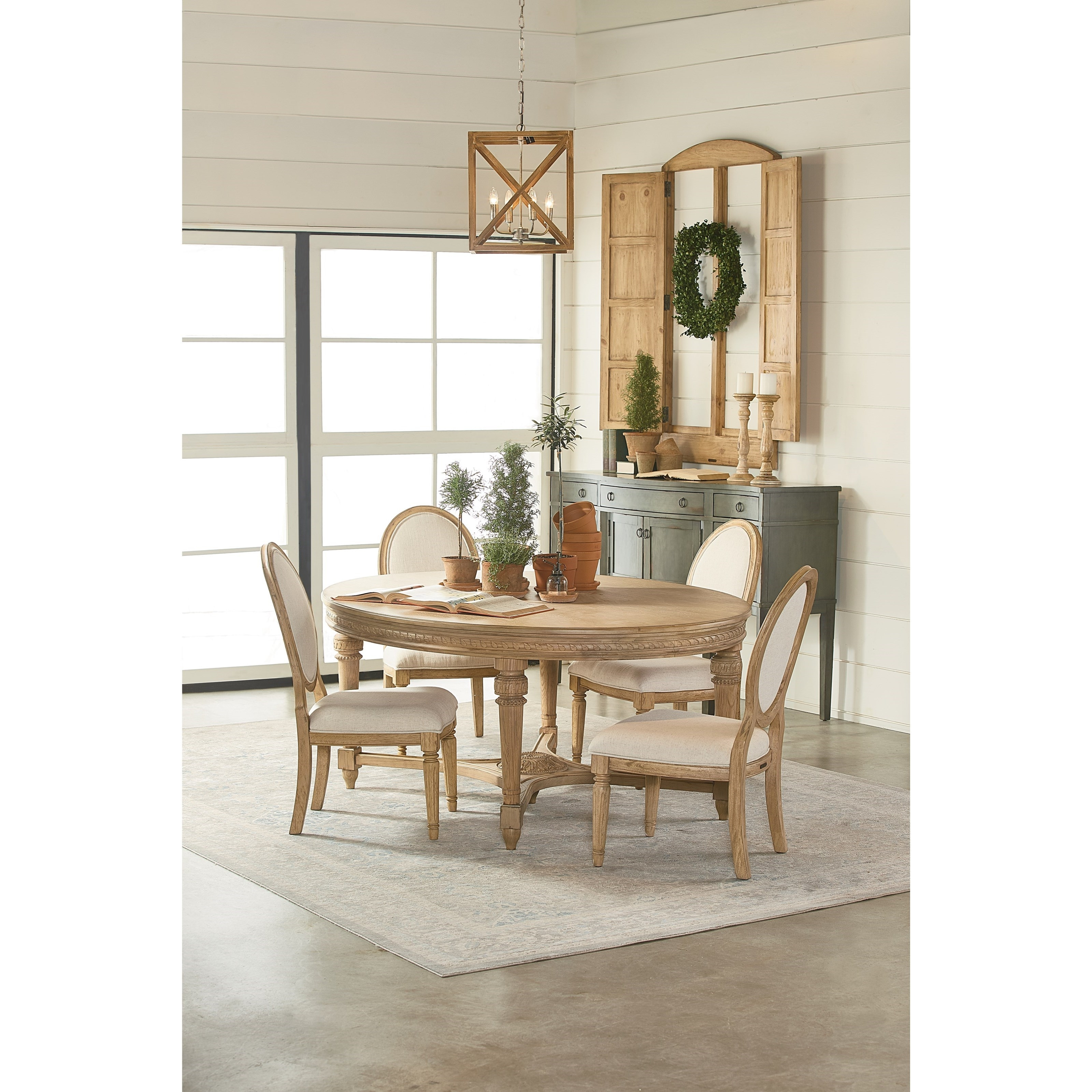 Popular Magnolia Homejoanna Gaines Traditional Casual Dining Room Group With Traditional Dining Tables (Gallery 22 of 25)