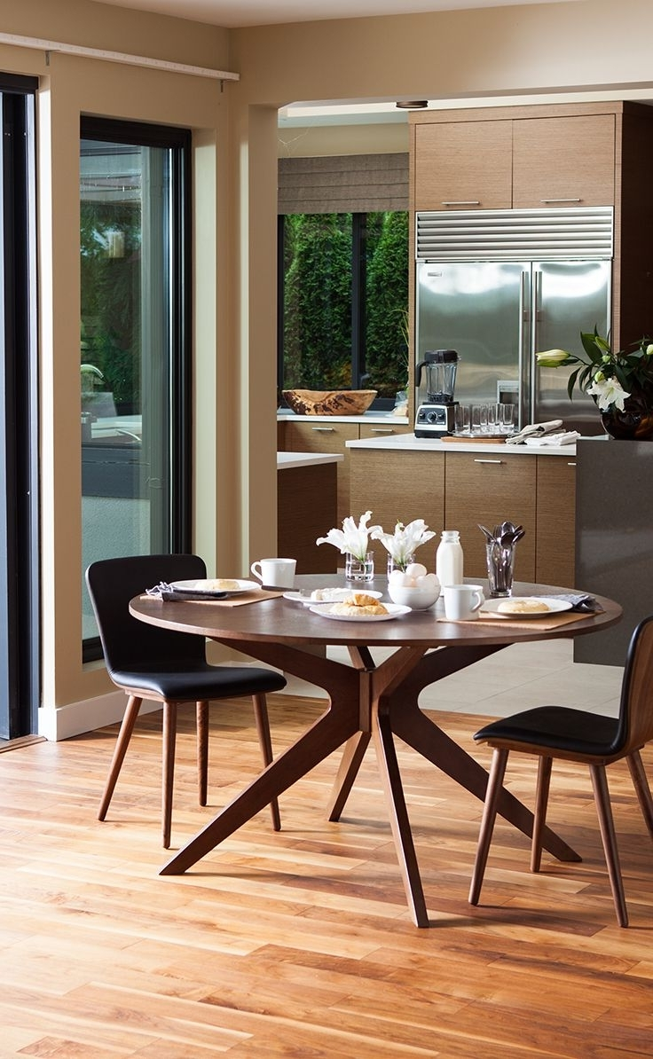 Popular Round Dining Table, 4 6 Person, Walnut Finish (View 14 of 25)