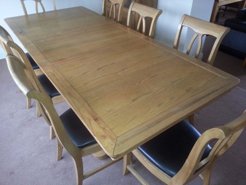 Popular Solid Oak Dining Table, 8 Chairs And Display Unit (View 8 of 25)