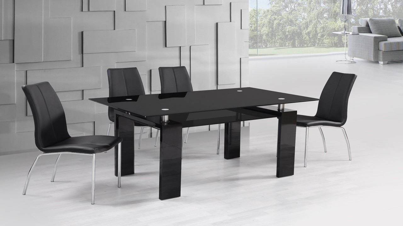 Preferred Black Glass Dining Tables And 4 Chairs With Regard To Black High Gloss Glass Dining Table And 4 Black Dining Chairs Set (View 17 of 25)
