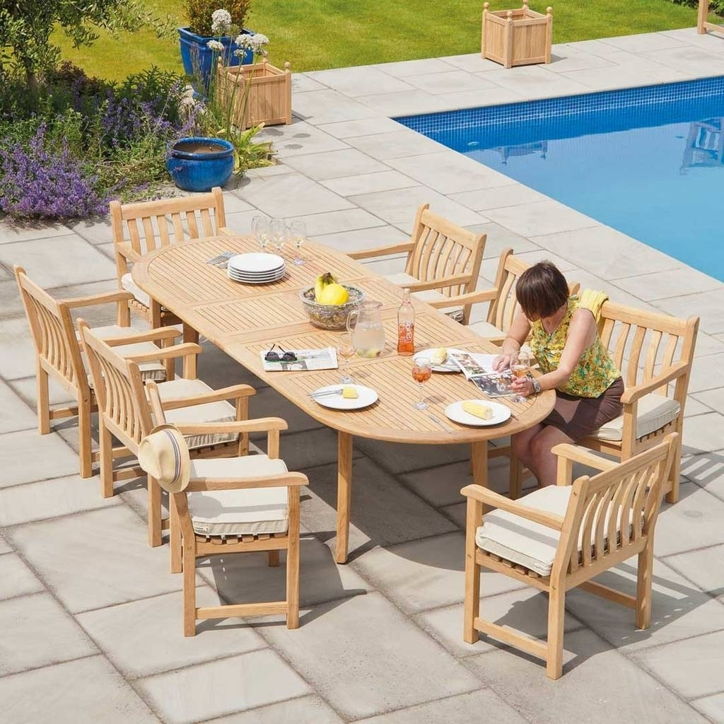 Preferred Roble Extending Garden Dining Tableout There Exteriors In Extending Outdoor Dining Tables (Gallery 18 of 25)