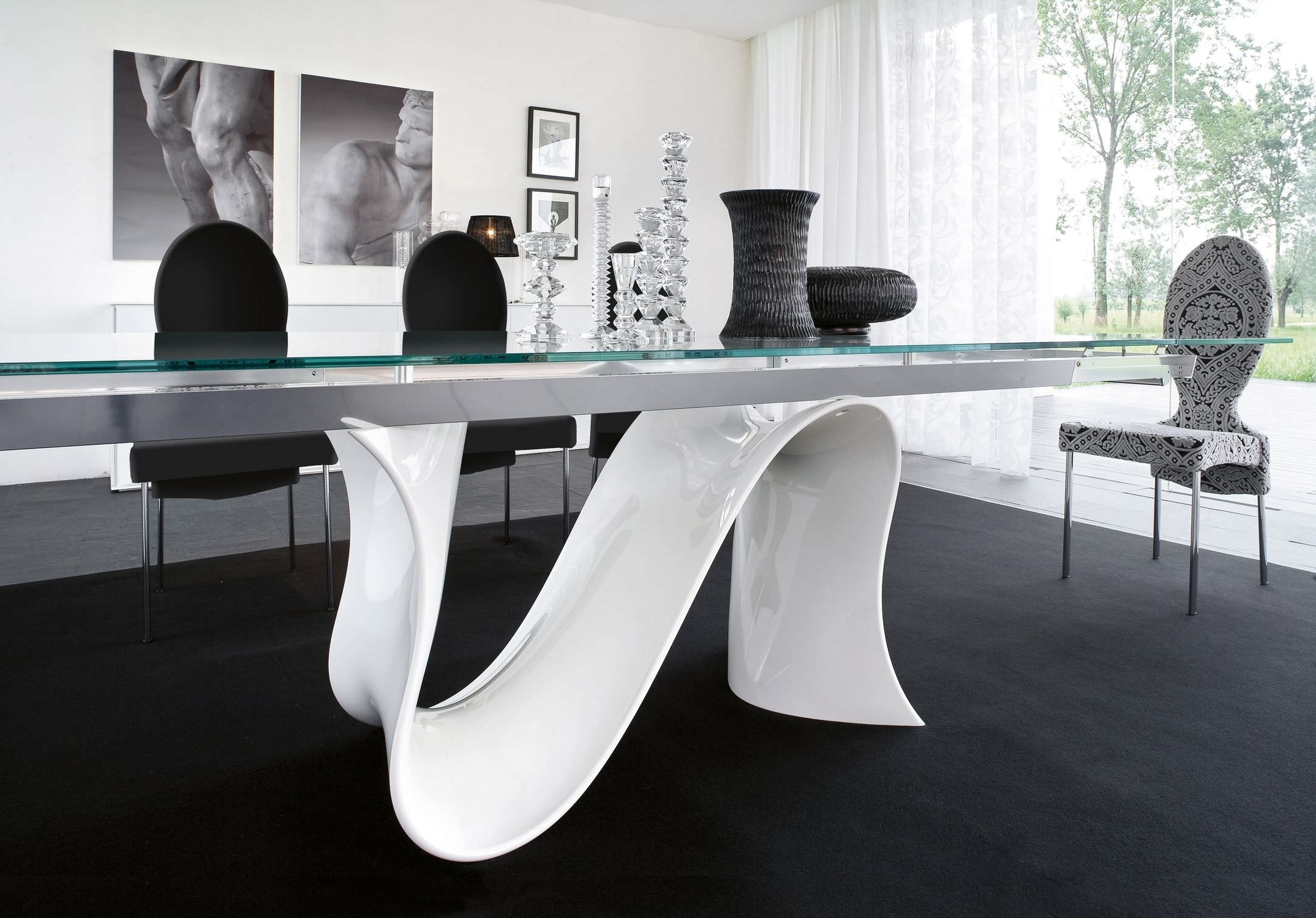 Recent Curved Glass Dining Tables With Awesome Dining Room Decor Ideas Along With S Shaped Dining Table (View 18 of 25)