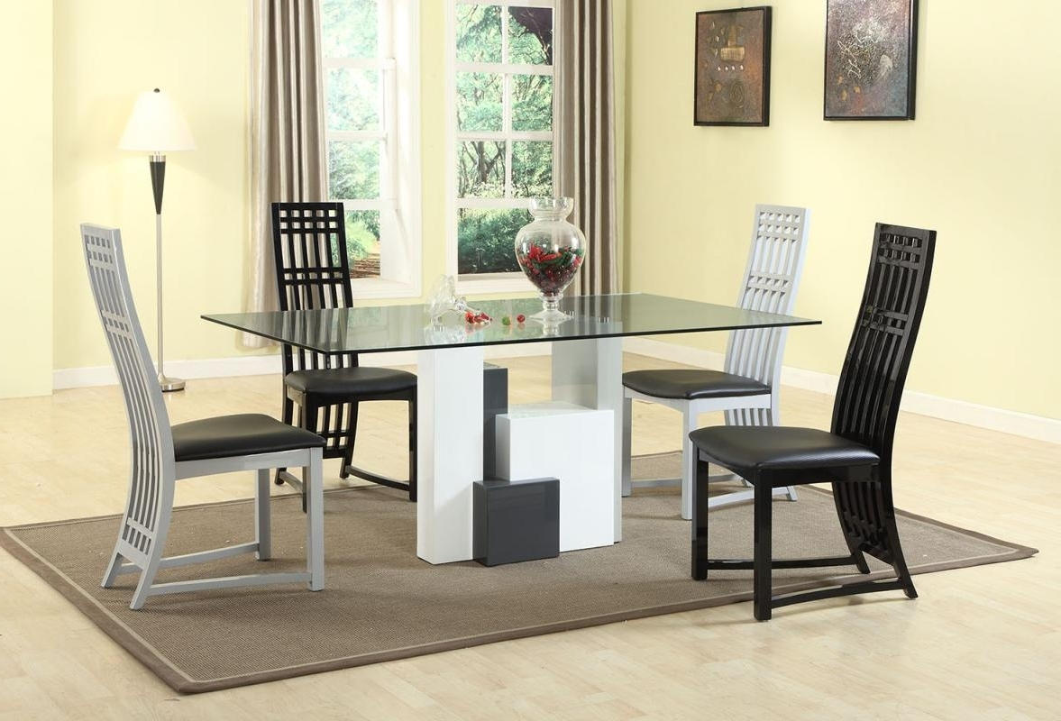 Recent Graceful Rectangular Clear Glass Top Dining Table And Chair Sets In Clear Glass Dining Tables And Chairs (View 23 of 25)