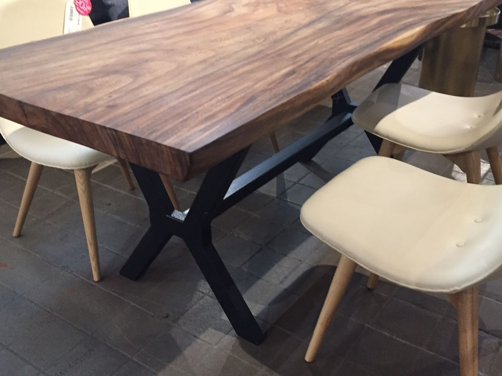 Recent Hd Buttercup Dining Table Best Of An Inspiring Black Apartment In Inside Helms Round Dining Tables (View 10 of 25)