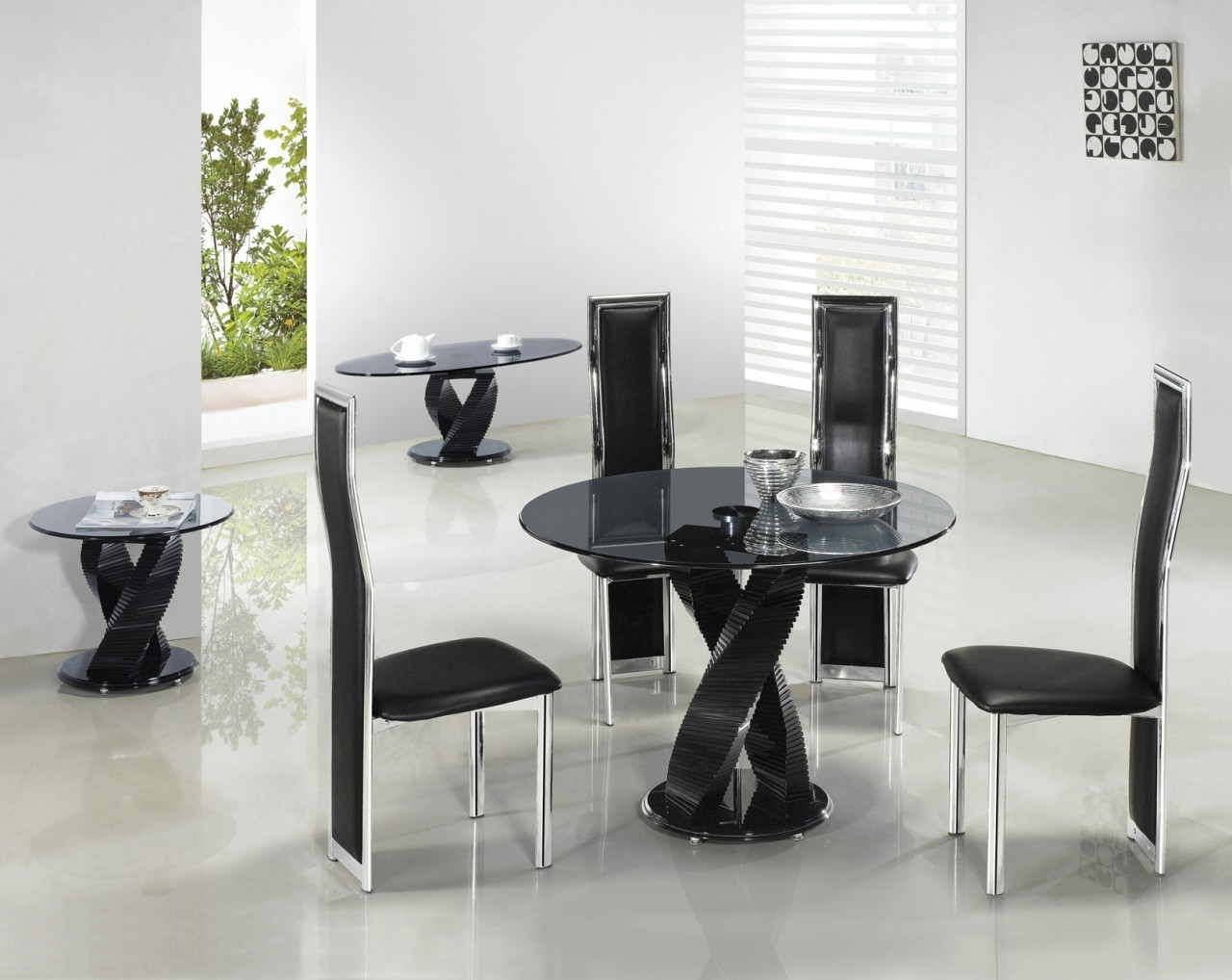 Recent Lienzoelectronico: Glass Dining Tables With Round Black Glass Dining Tables And Chairs (View 17 of 25)