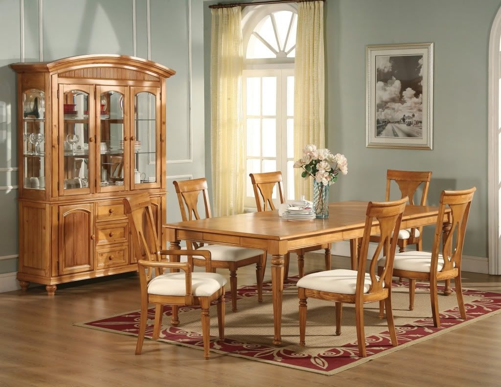 Recent Oak Dining Rooms Pictures (View 2 of 25)
