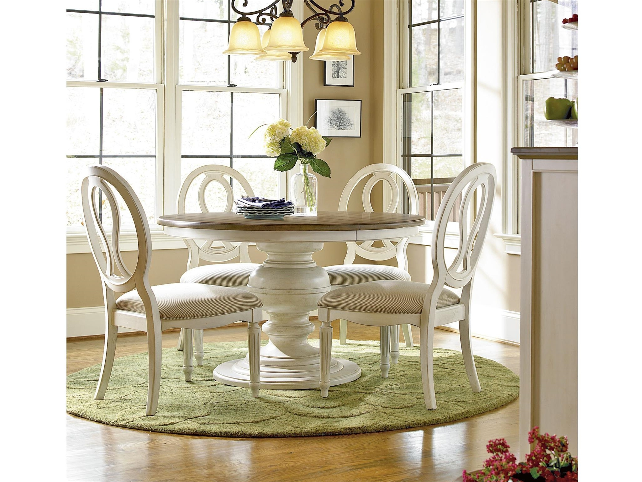 Round Dining Table (View 14 of 25)