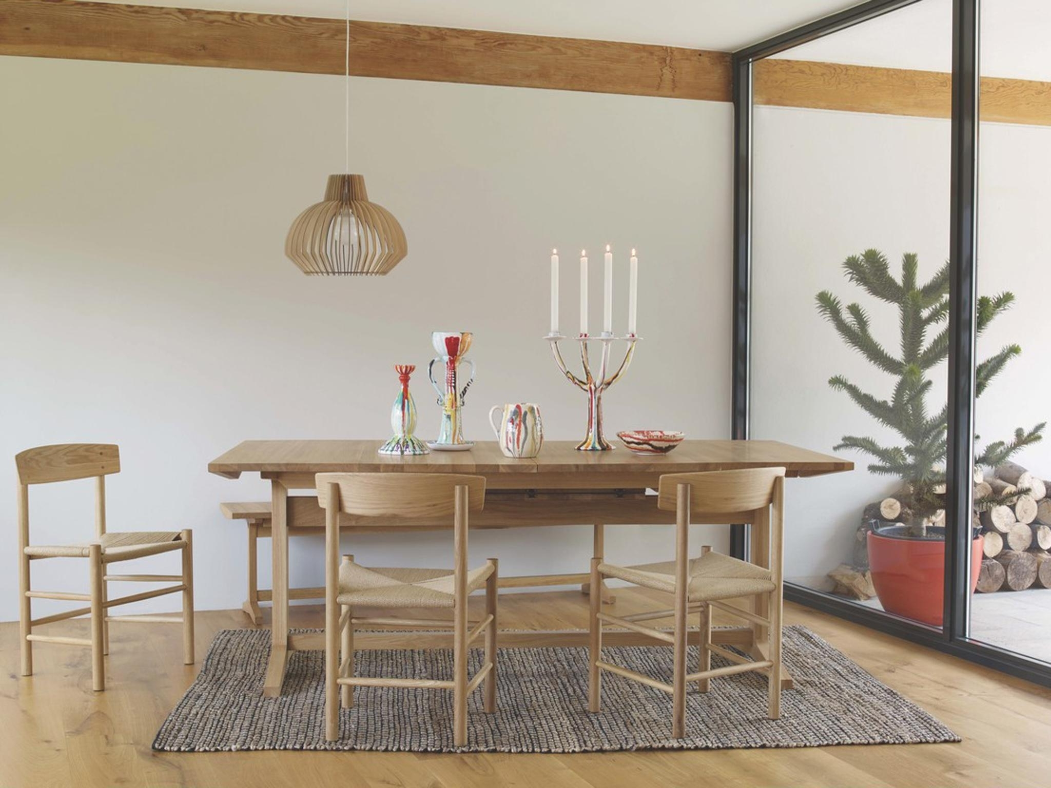 Round Dining Tables Extends To Oval Intended For Popular 10 Best Extendable Dining Tables (View 19 of 25)