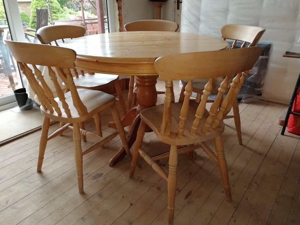 Round Extendable Dining Tables And Chairs For Best And Newest Wooden Round Extendable Dining Table With Chairs (View 10 of 25)