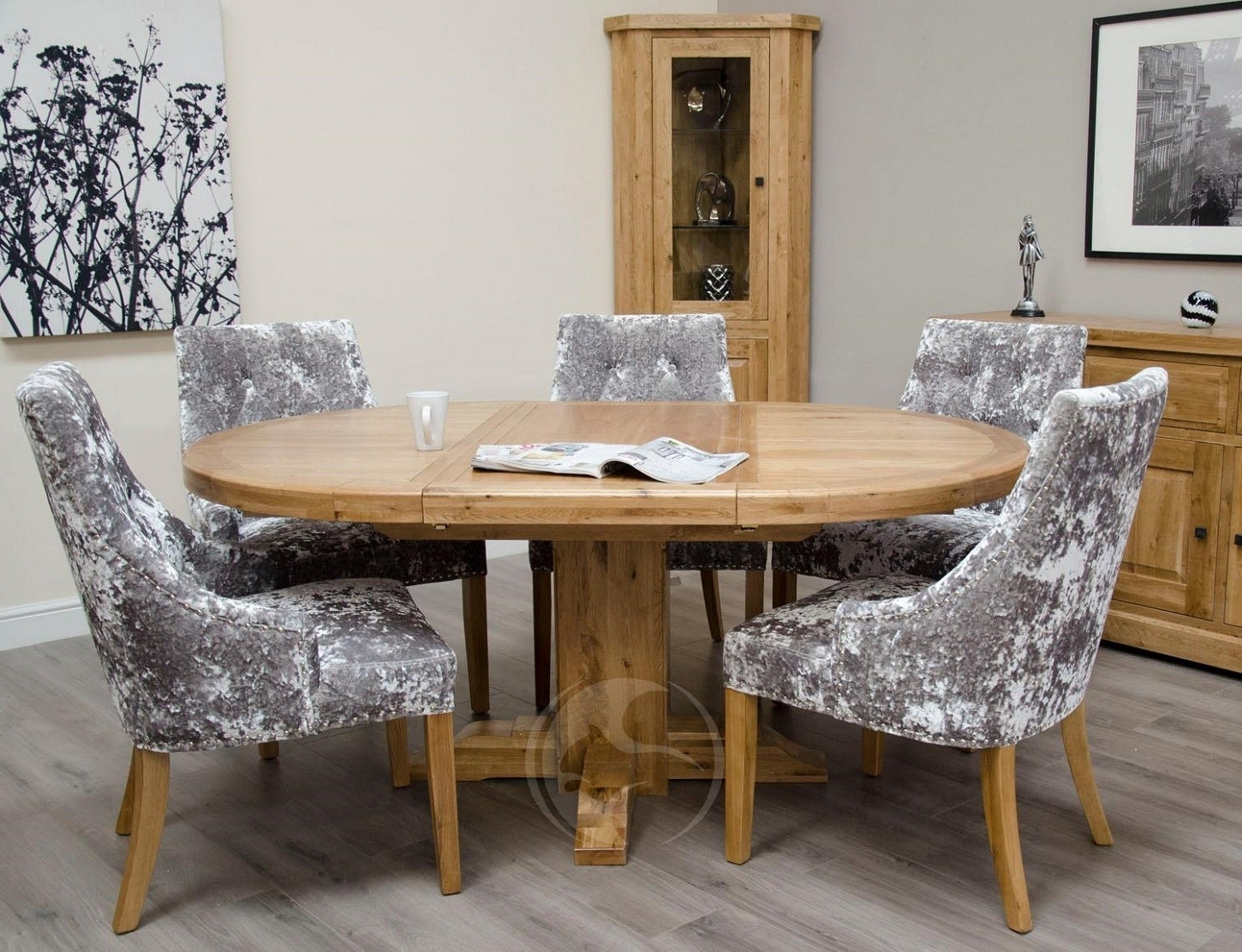 Round Extending Dining Tables And Chairs With Best And Newest Coniston Rustic Solid Oak Round Extending Dining Table (View 19 of 25)