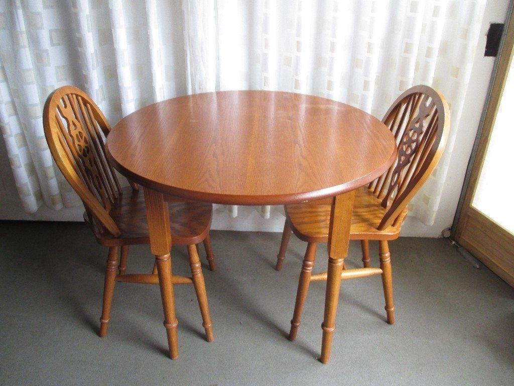 Round Oak Dining Tables And Chairs With Regard To 2018 Round Oak Dining Table With Two Oak Spar Back Dining Chairs Free (View 20 of 25)