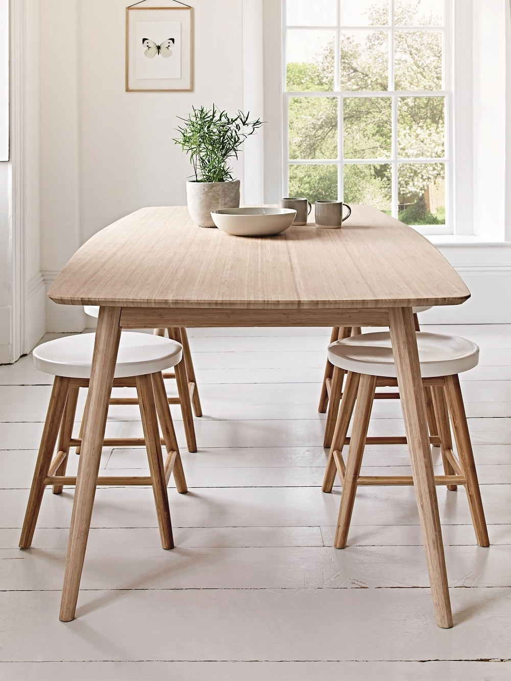 Scandinavian Dining Tables And Chairs Inside Well Known Scandinavian Style Dining Room Furniture (View 4 of 25)