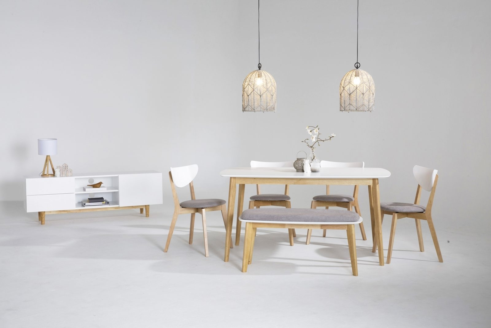 Scandinavian Dining Tables And Chairs Pertaining To Well Liked Scandinavian Dining Room Furniture Ideas (View 18 of 25)