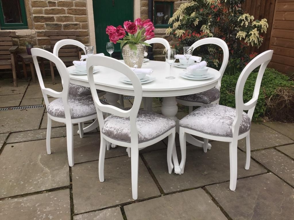 Featured Photo of Shabby Chic Extendable Dining Tables
