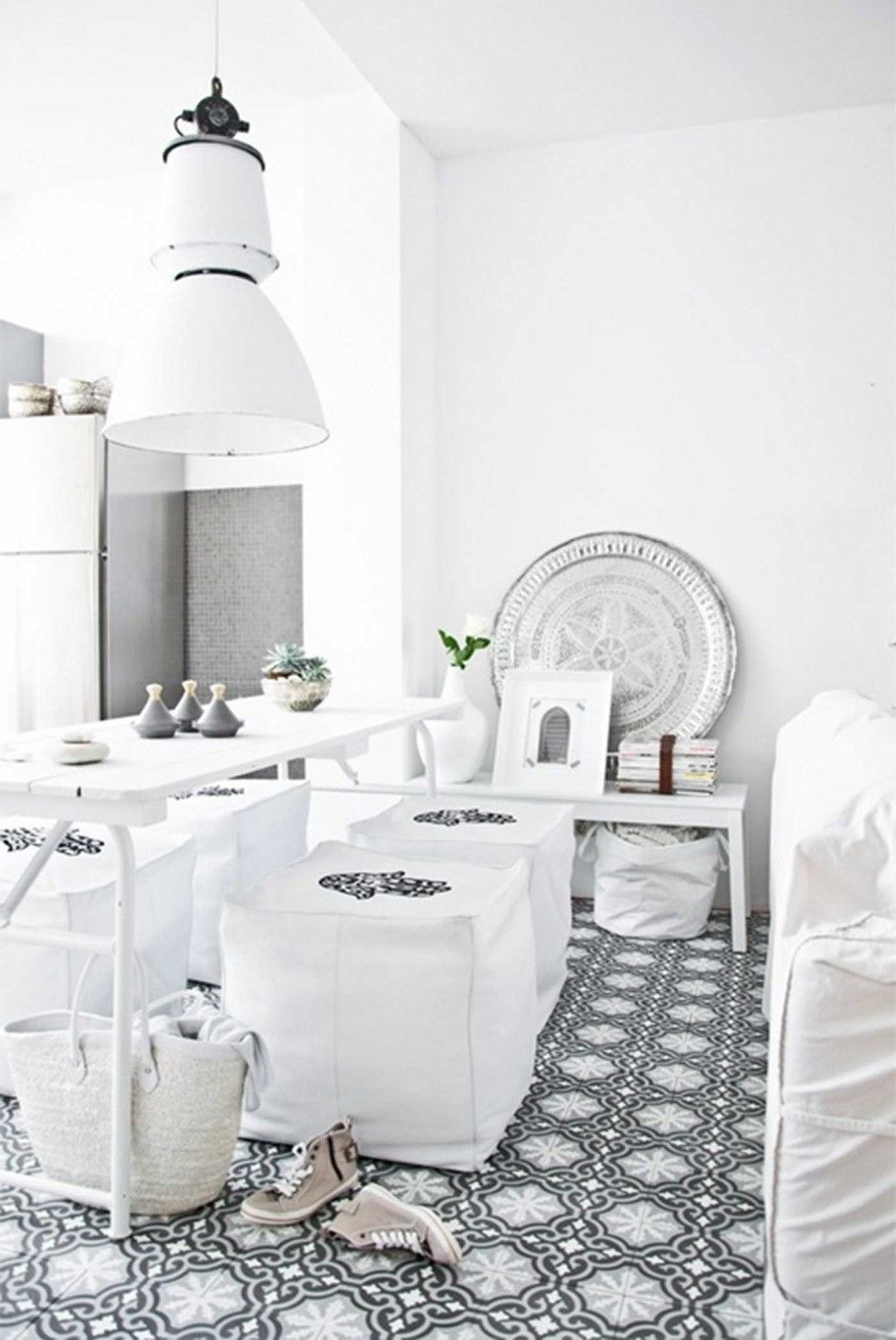 Shiny White Dining Tables With Regard To Current Exquisite Moroccan Style Dining Room Designs : Shiny Dining Room (View 25 of 25)