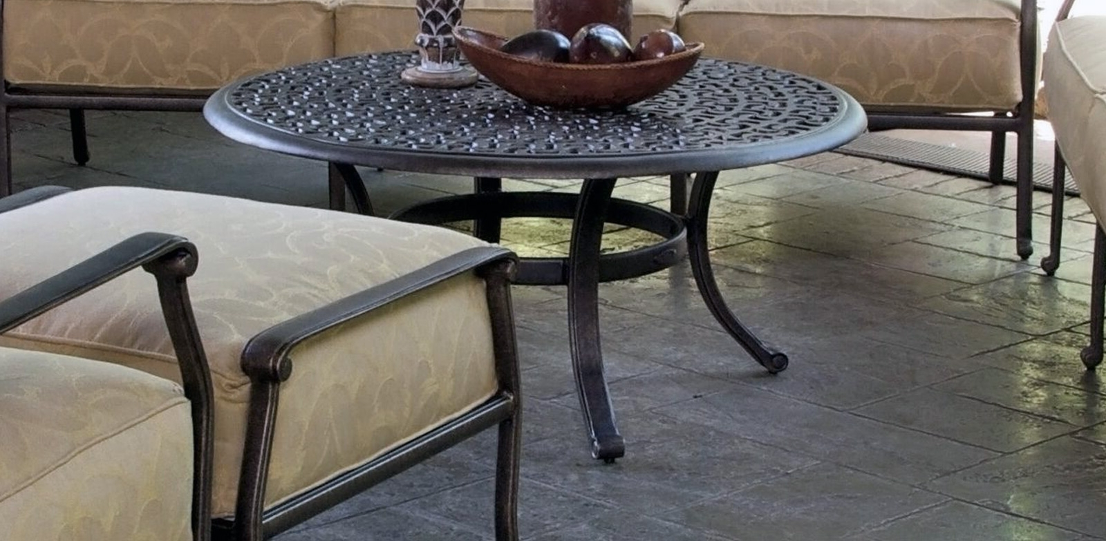Sienna Tables – Castelle Luxury Outdoor Furniture Intended For Well Liked Outdoor Sienna Dining Tables (View 3 of 25)