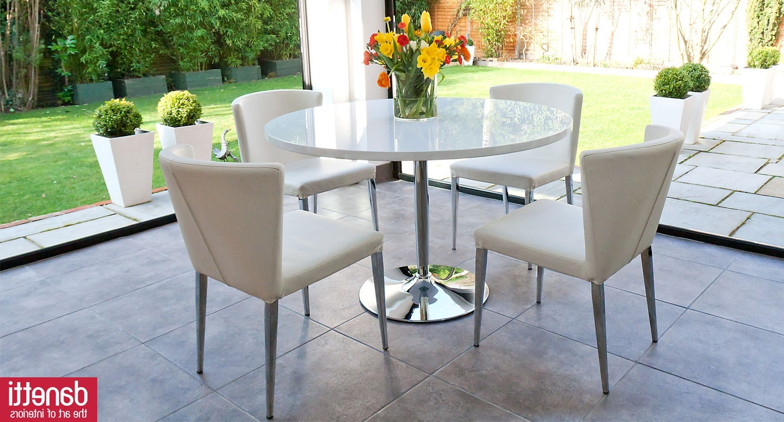 Simple White Round Dining Table 4 Legs Glass With Leather Acrylic Intended For Popular White Circular Dining Tables (View 17 of 25)