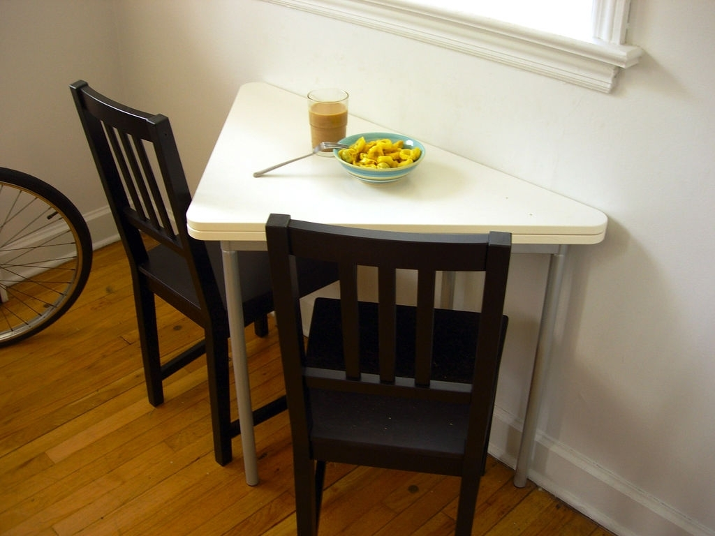 Small Dining Tables And Chairs Inside 2017 Small Dining Room Tables For Limited Space – Grezu : Home Interior (View 14 of 25)
