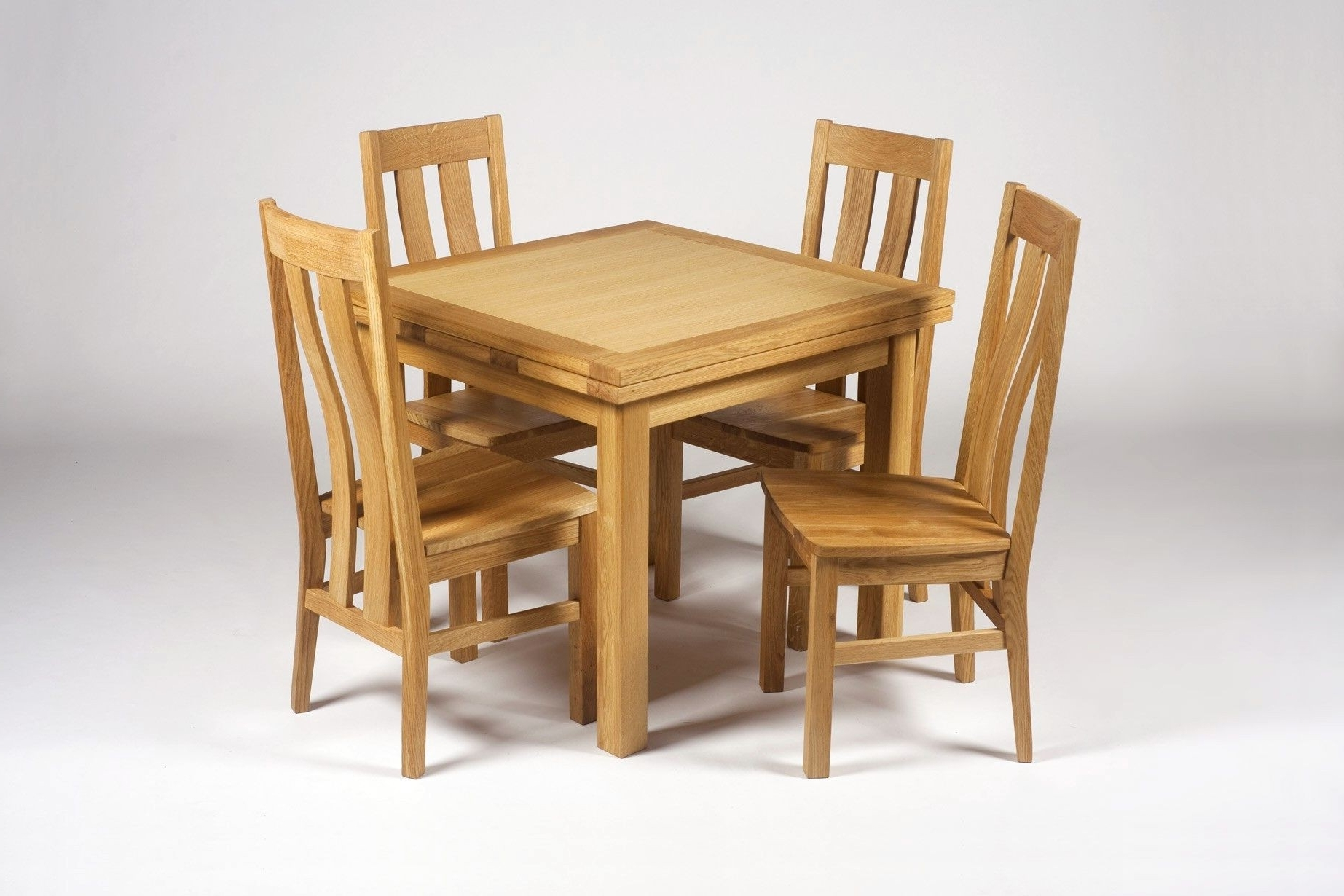 Small Extending Dining Tables And 4 Chairs Throughout 2017 Small Oak Dining Table And 4 Chairs Best Of Richmond Small Extending (View 21 of 25)