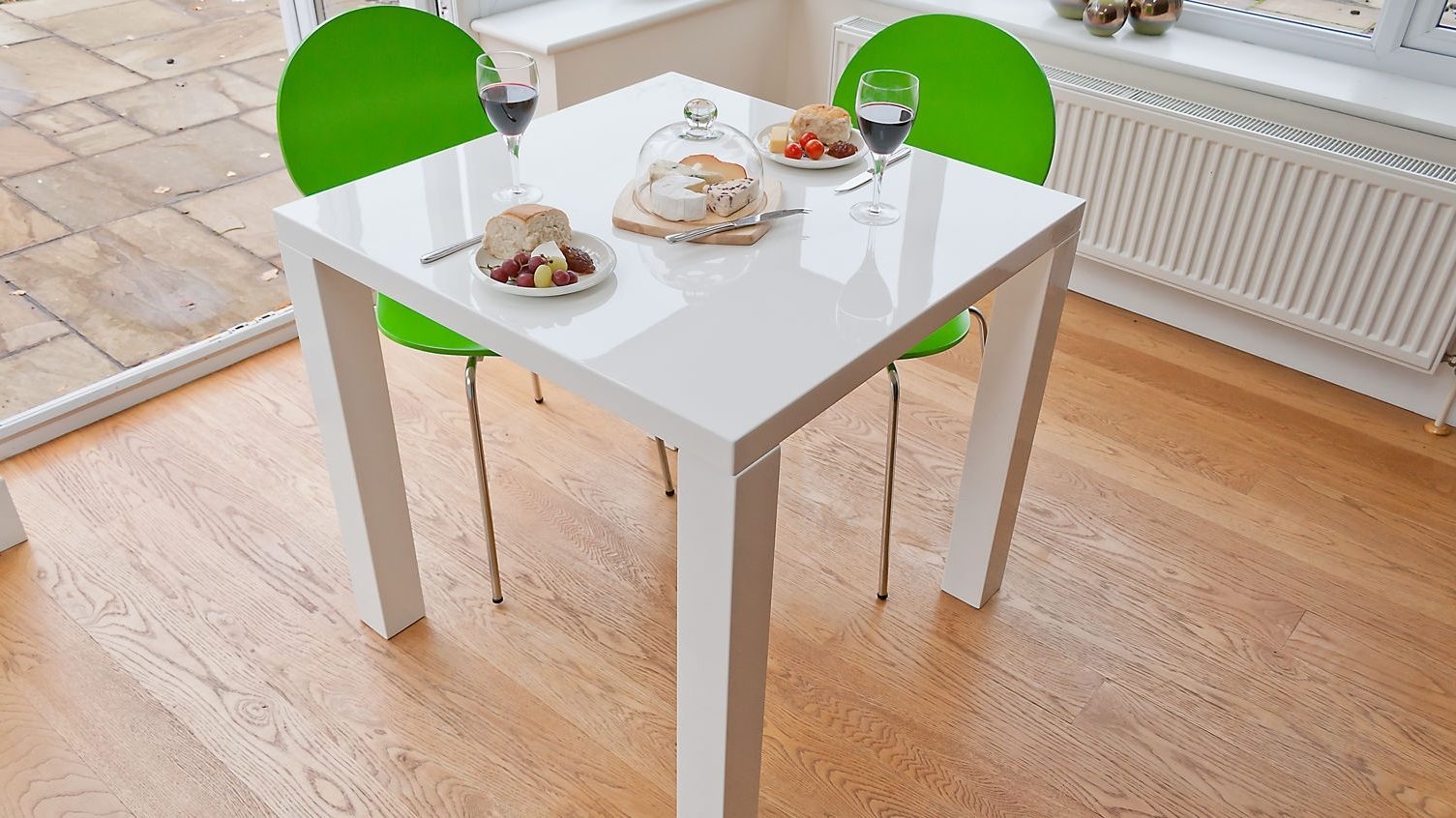 Small White Extending Dining Tables Pertaining To Preferred Advice On The Best Way To Make Purchase Of The Small Dining Table (View 7 of 25)