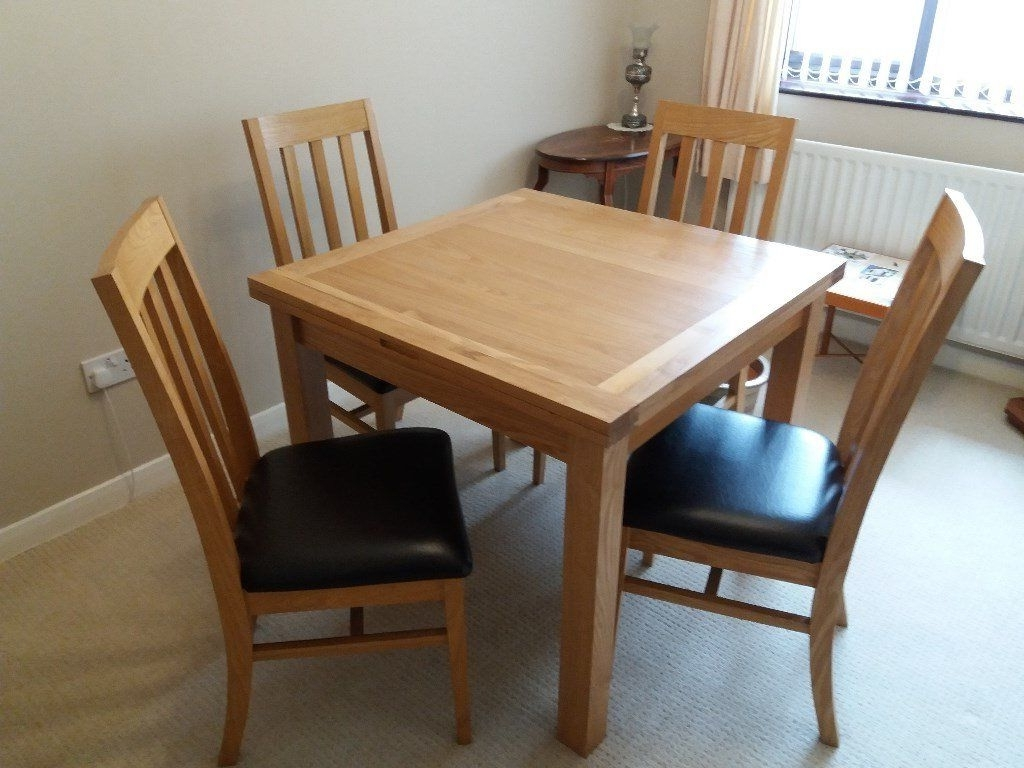 Solid Light Oak Dining Table And Chairs (View 22 of 25)