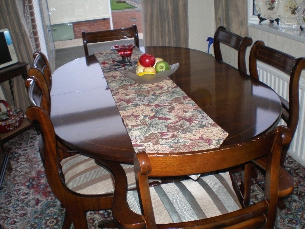 Solid Mahogany Extending Dining Table With 2 Carvers And 4 Standard For Preferred Mahogany Extending Dining Tables And Chairs (View 20 of 25)