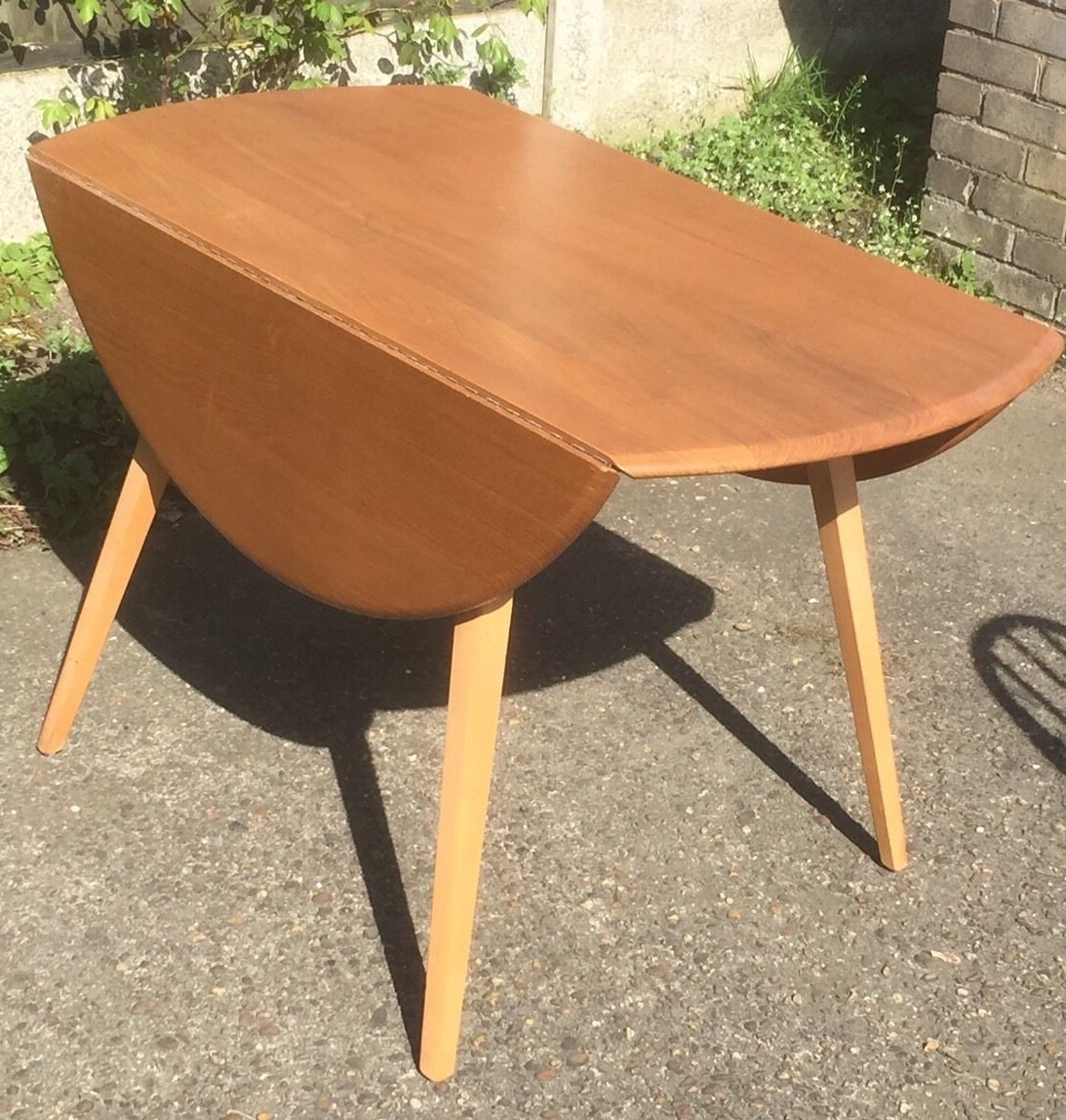Superb Retro Ercol Extending Dining Table & 4 Matching Chairs With Most Recent Retro Extending Dining Tables (View 22 of 25)