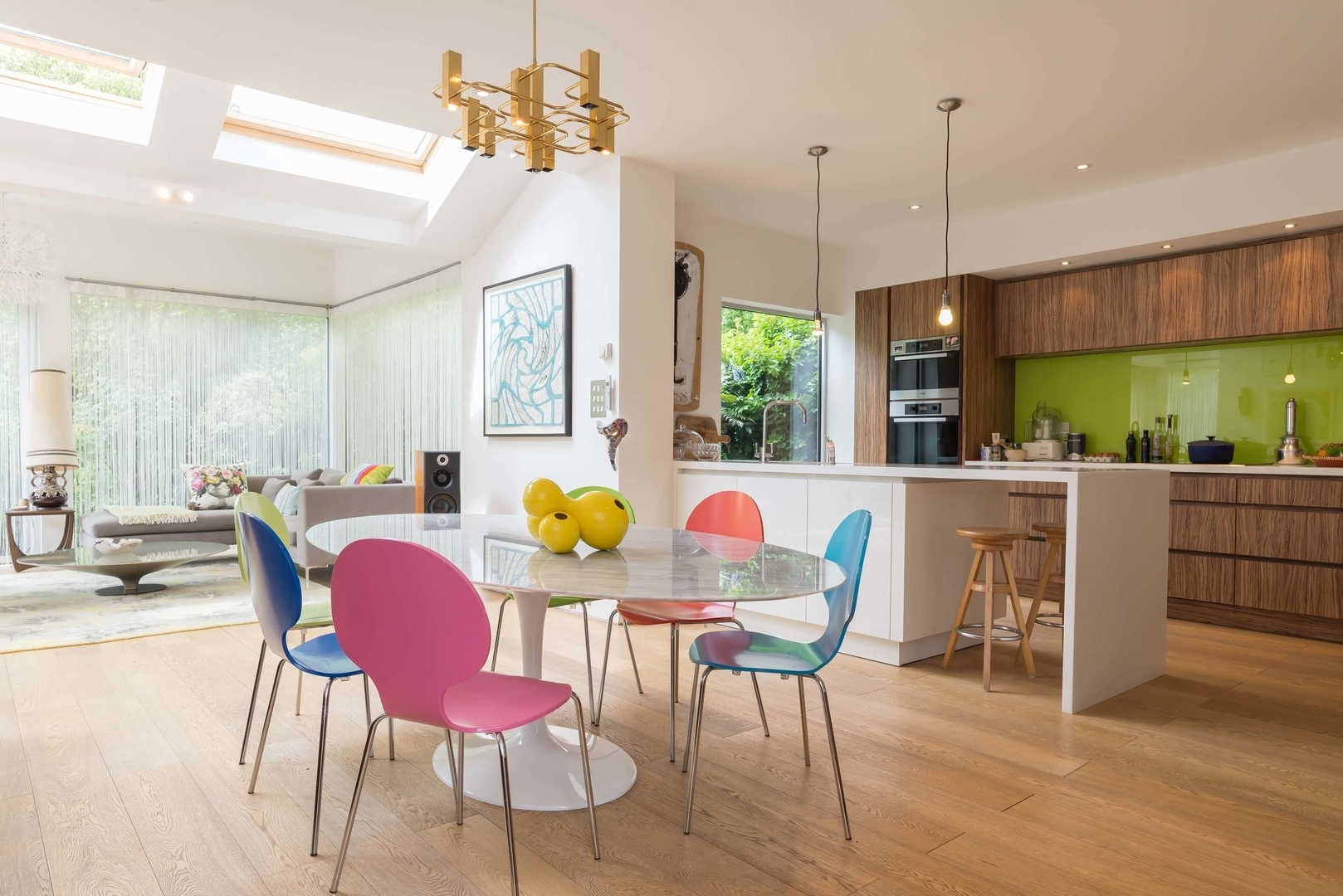 The Smartie House – 3 Bed House In Richmond • Veeve Throughout Most Recent Smartie Dining Tables And Chairs (View 17 of 25)