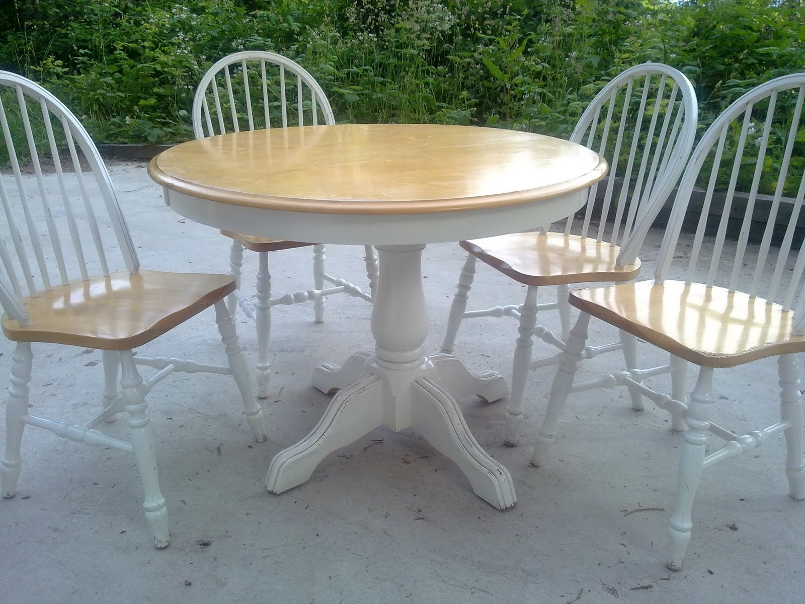 Top 50 Shabby Chic Round Dining Table And Chairs – Home Decor Ideas Regarding Most Up To Date Shabby Chic Dining Sets (View 19 of 25)