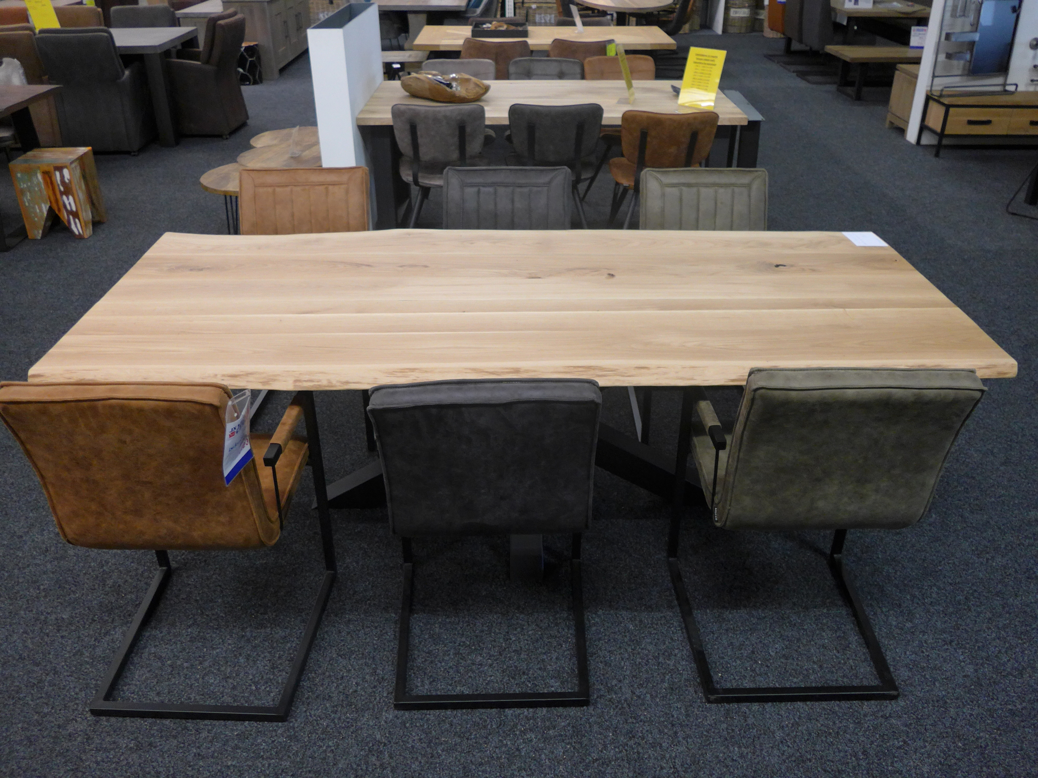 Tree Dining Tables Throughout Well Liked Dining Table Oak Tree Leaf – Cheap And In Various Types And Sizes (View 20 of 25)