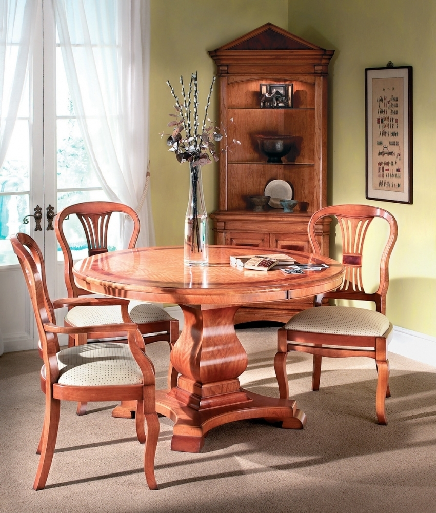 Trendy Cherry Wood Circular Extending Dining Table Inside Circular Extending Dining Tables And Chairs (View 21 of 25)