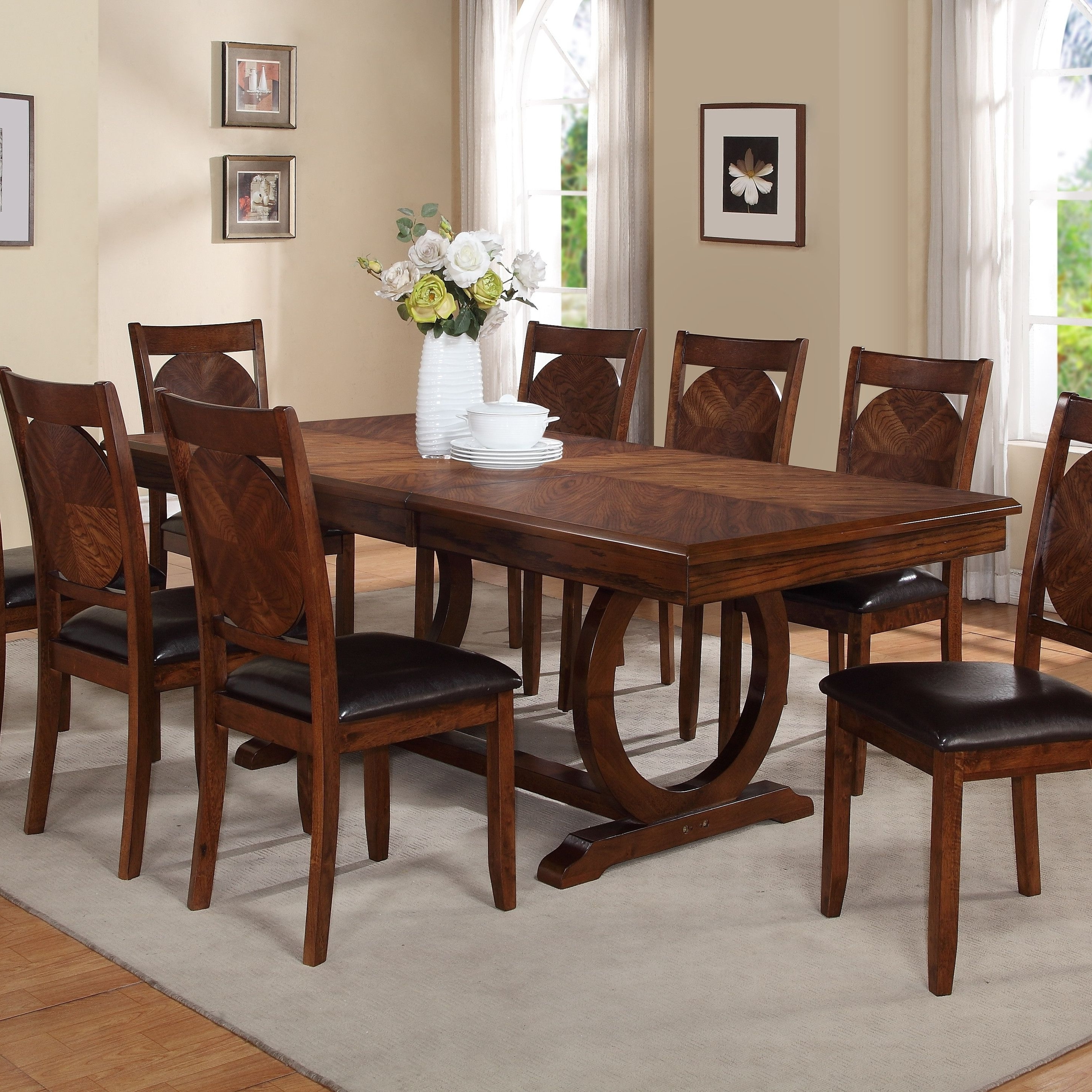 Trendy Extendable Dining Tables With 8 Seats With Kapoor Extendable Dining Table (View 20 of 25)