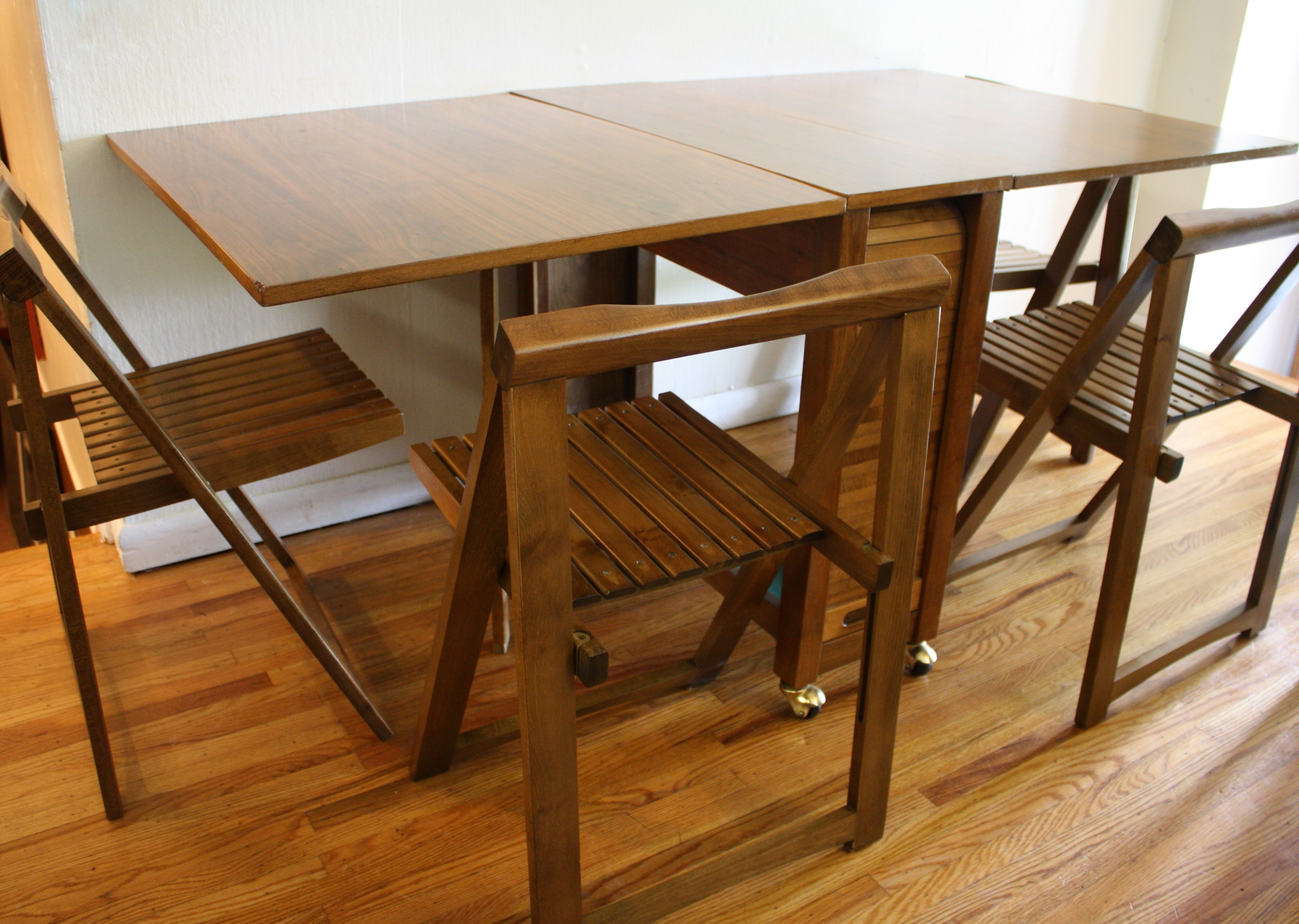 Trendy Wood Folding Dining Tables Pertaining To Furniture (View 18 of 25)
