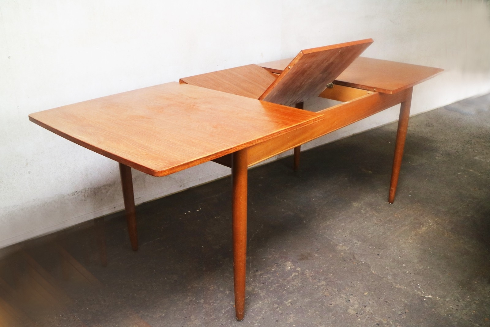 Vintage Extending Dining Tableaustin Suite – 1970S – Design Market Regarding Newest Retro Extending Dining Tables (View 24 of 25)