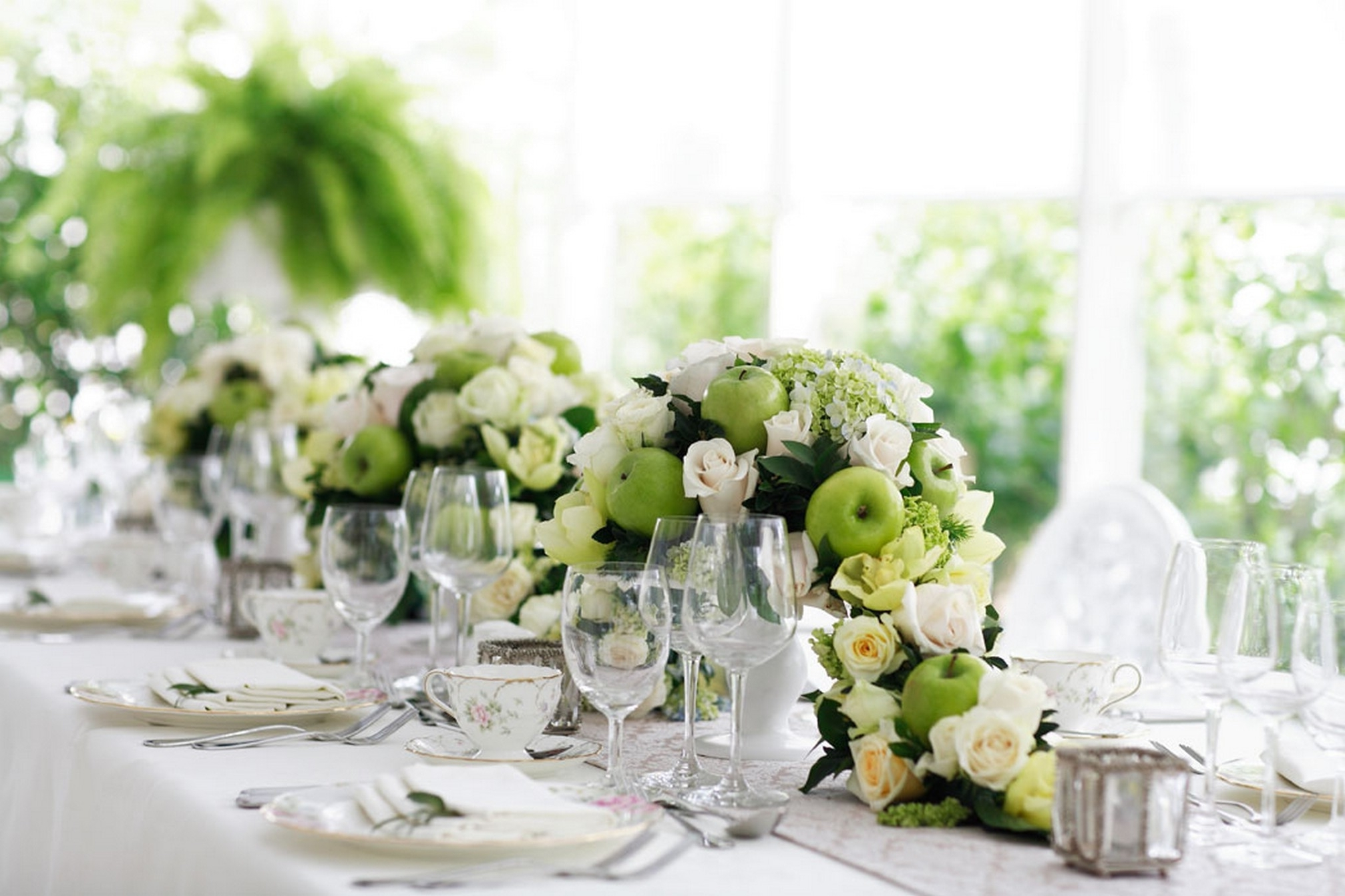 Wedding Table Flower Arrangements Ideas – Auroravine For 2017 Artificial Floral Arrangements For Dining Tables (View 22 of 25)