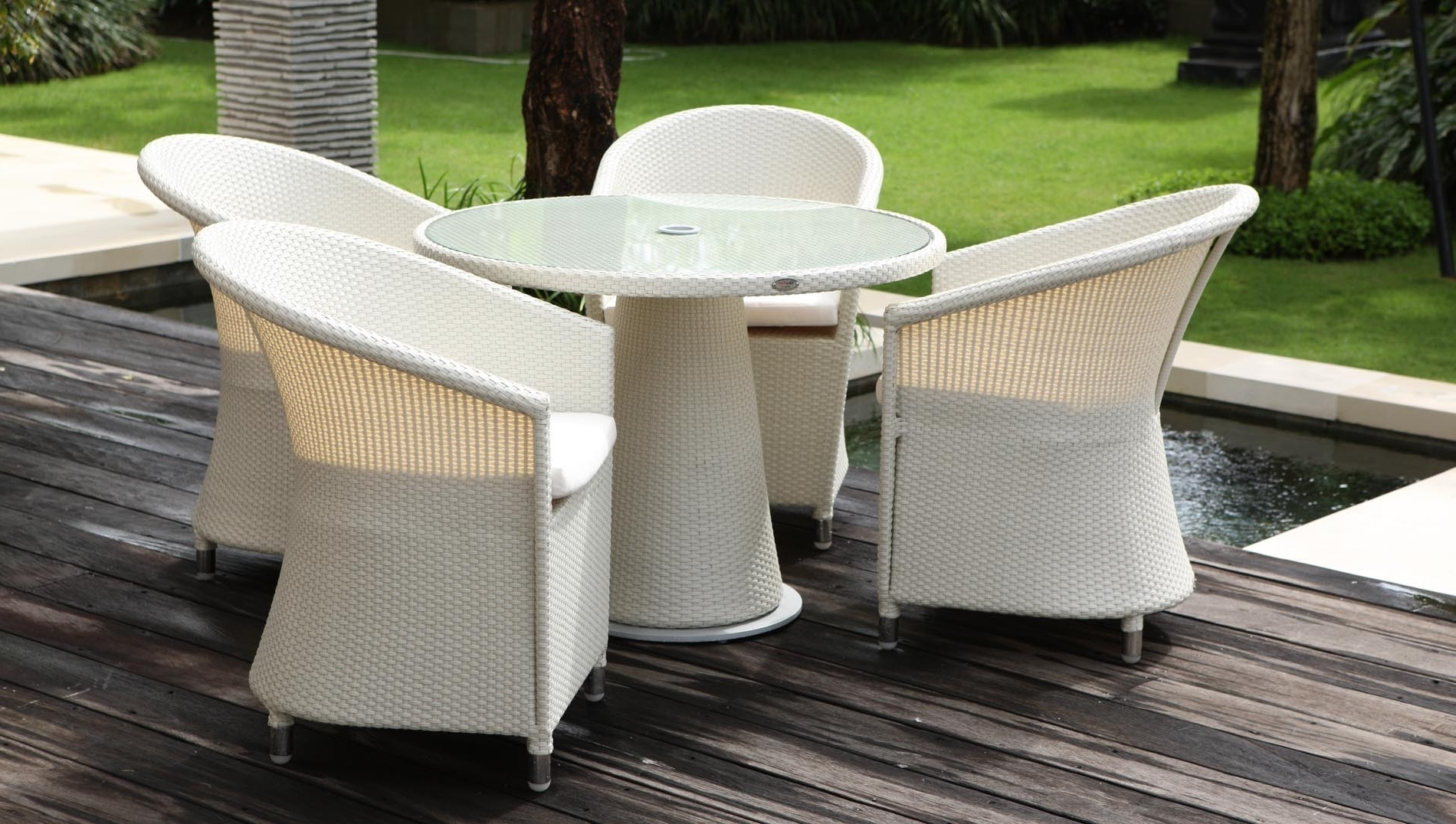 Well Known Chester Dining Chairs With Skyline Design, Chester Round Dining Table Set, Buy Online At Luxdeco (View 23 of 25)