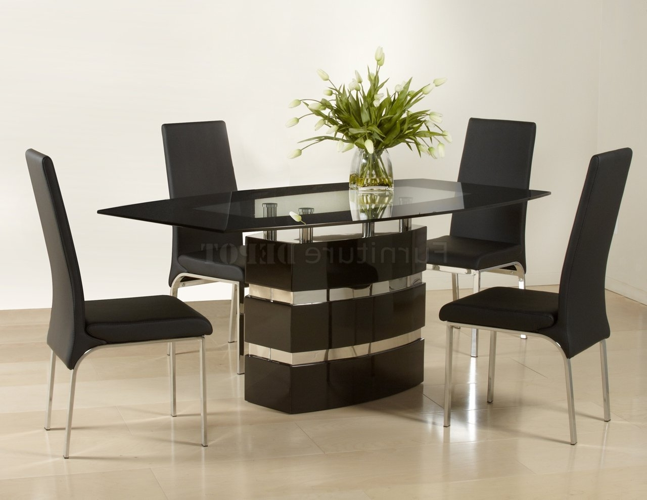 Well Known Contemporary Dining Furniture Throughout Photos: Black High Gloss Finish Modern Dining Table Woptional Chairs (View 23 of 25)