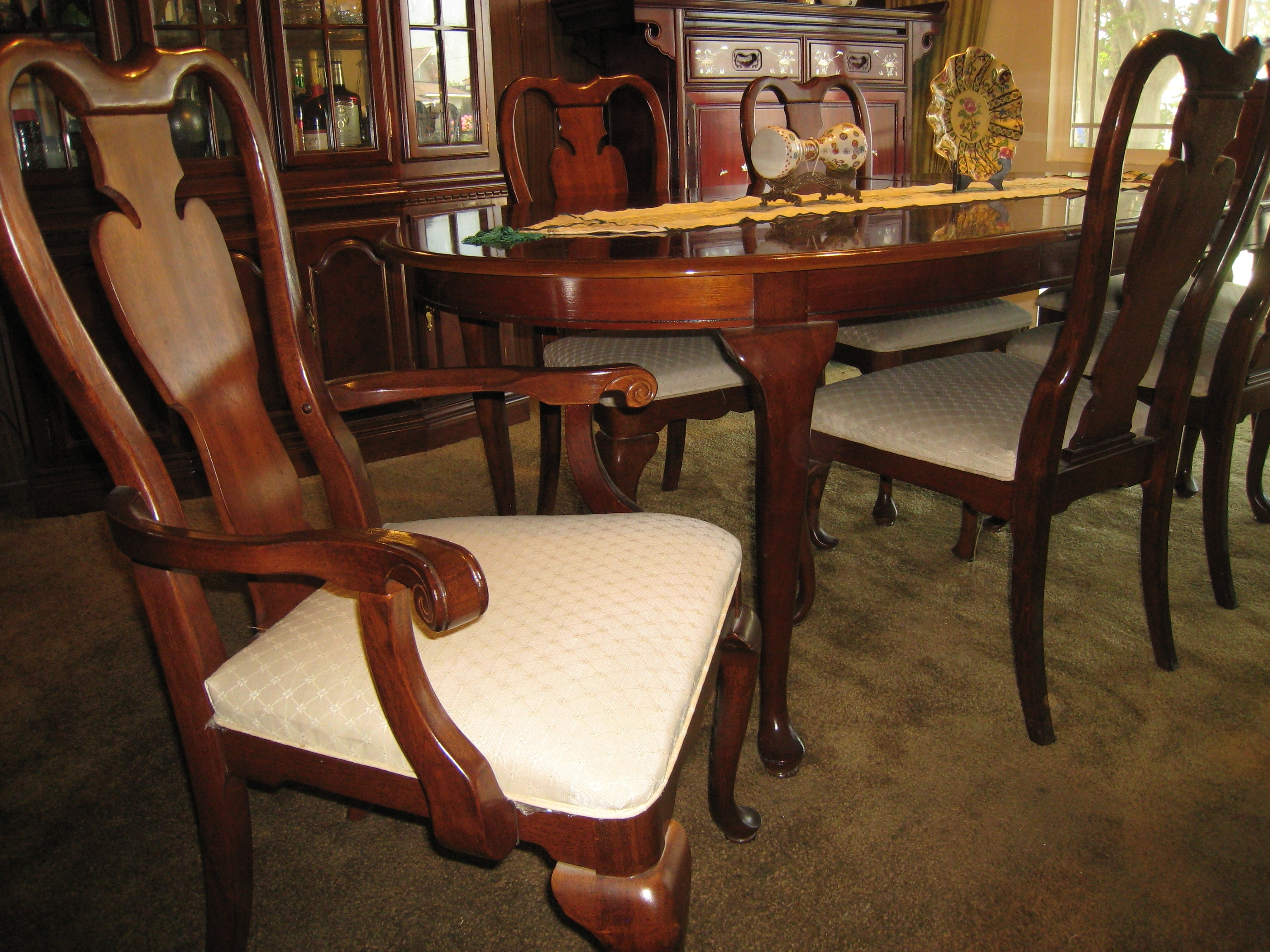 Well Known Mahogany Dining Tables And 4 Chairs In Rich Mahogany Dining Table With Six Mahogany Chairs And Matching (View 24 of 25)