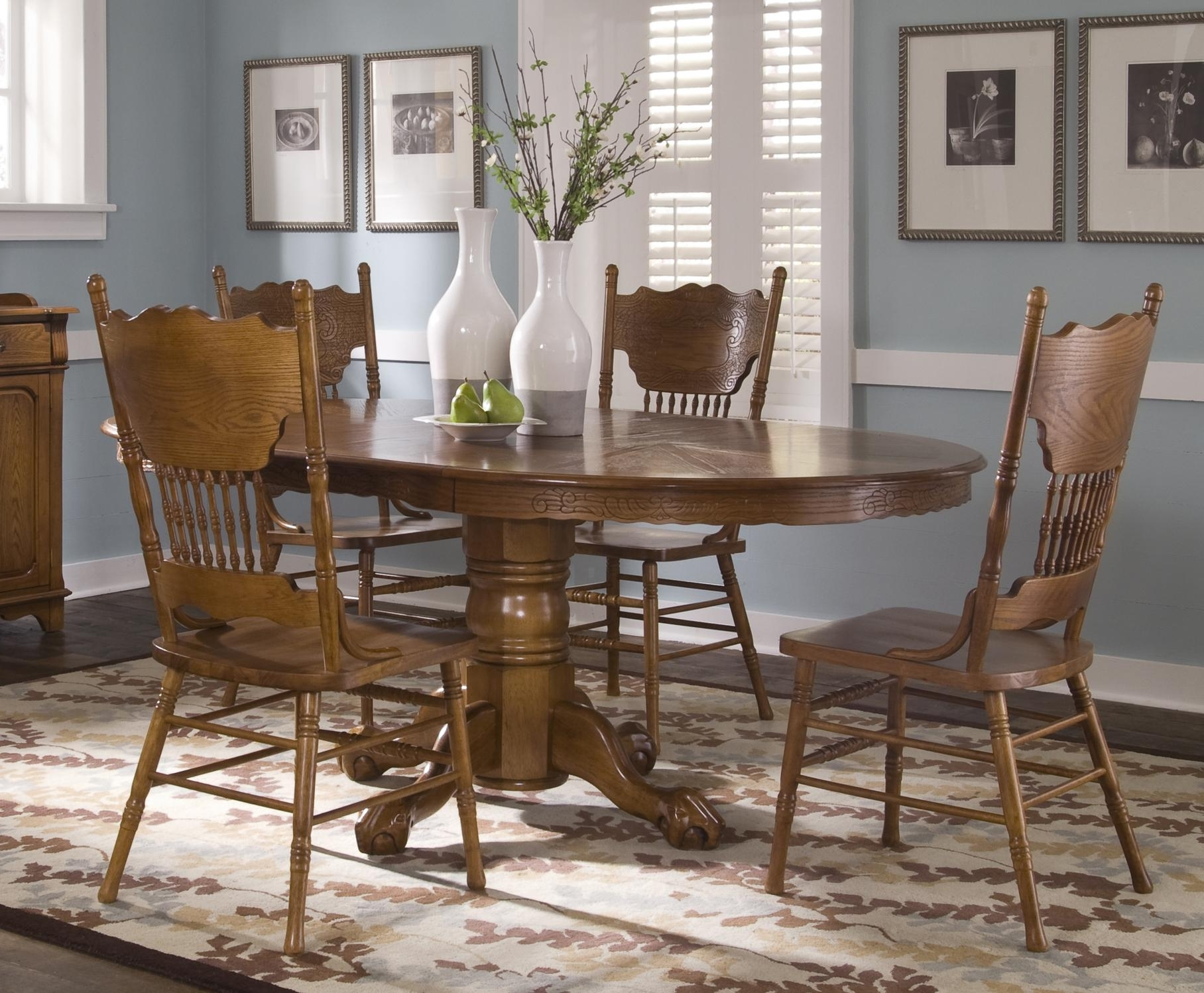 Well Known Pedestal Dining Tables And Chairs Pertaining To Single Pedestal Table And Side Chair Setliberty Furniture (View 25 of 25)