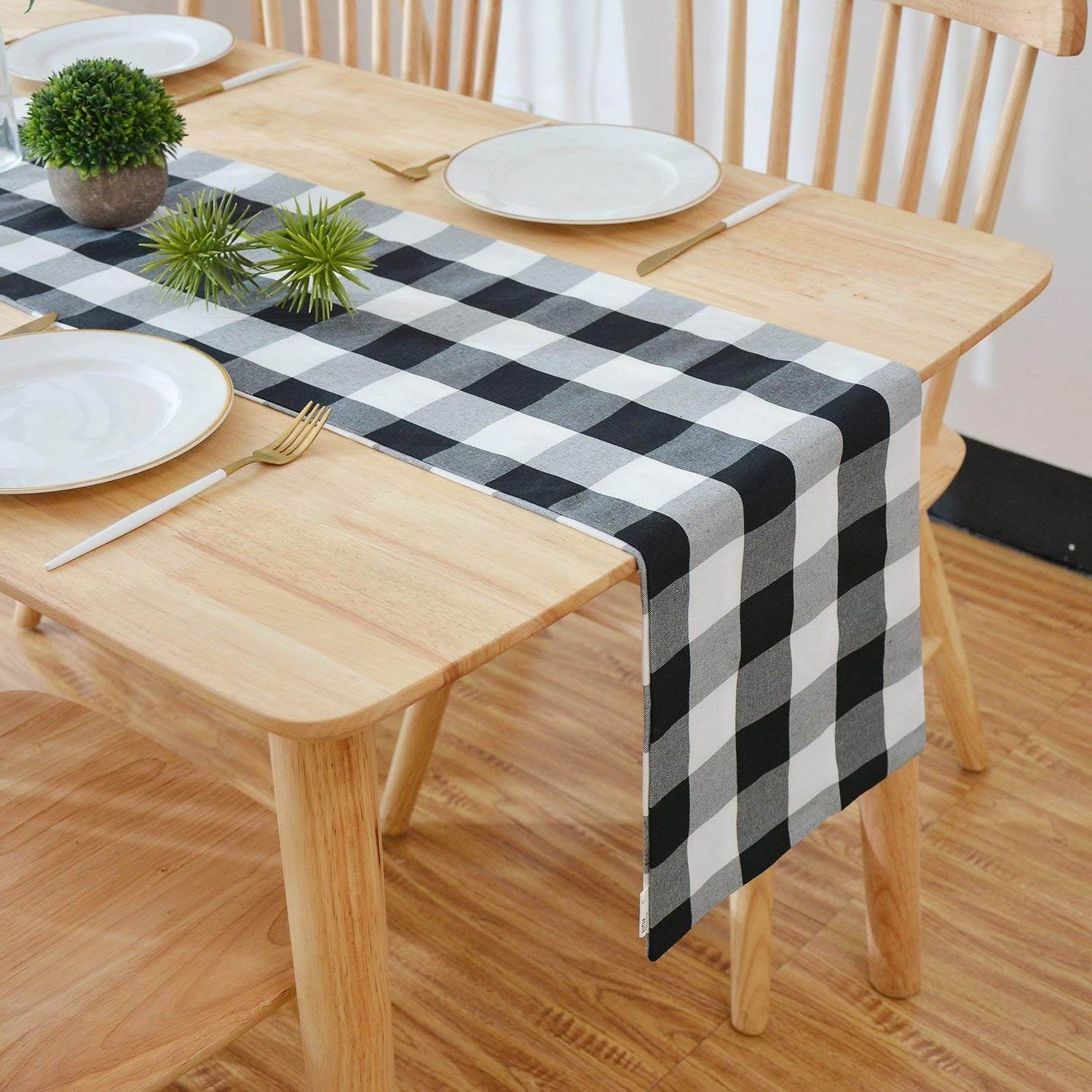 Well Known Weaver Dark 7 Piece Dining Sets With Alexa White Side Chairs Inside Amazon: Natus Weaver Black & White 2 Side Buffalo Check Table (View 8 of 25)