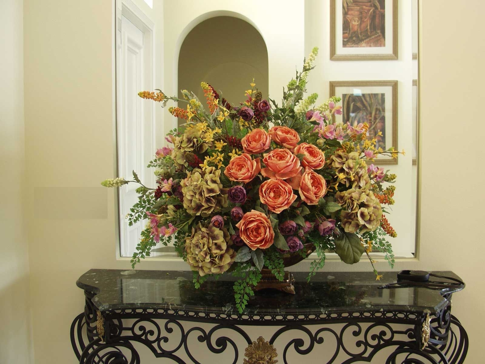 Featured Photo of Artificial Floral Arrangements For Dining Tables