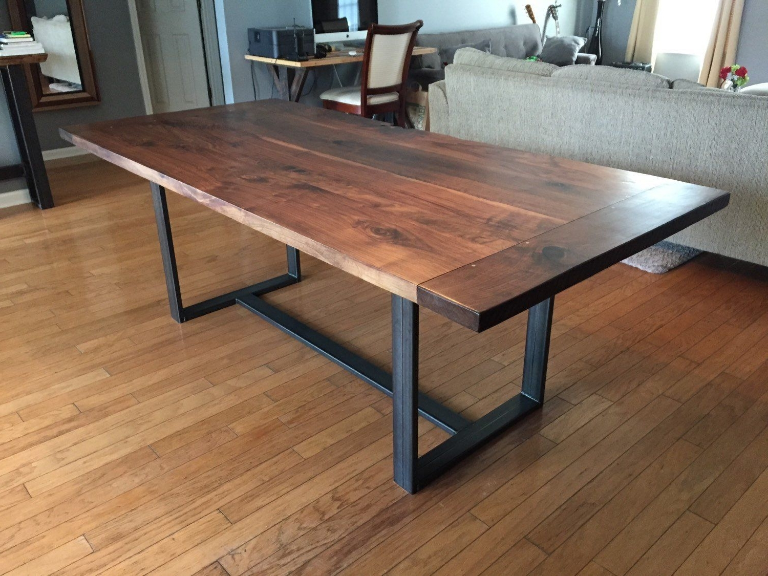 Well Liked Classic Walnut Dining Table With Breadboard Ends – K (View 15 of 25)