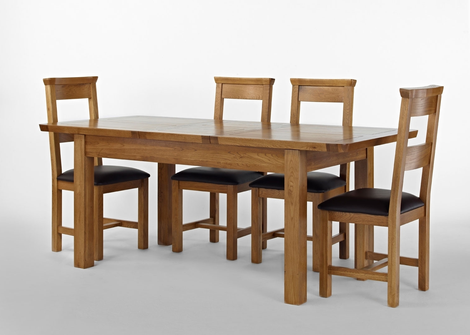 Well Liked Knightsbridge Oak Extending Dining Table 4 Or 6 Dining Room Paint For Extending Dining Tables And 4 Chairs (View 13 of 25)
