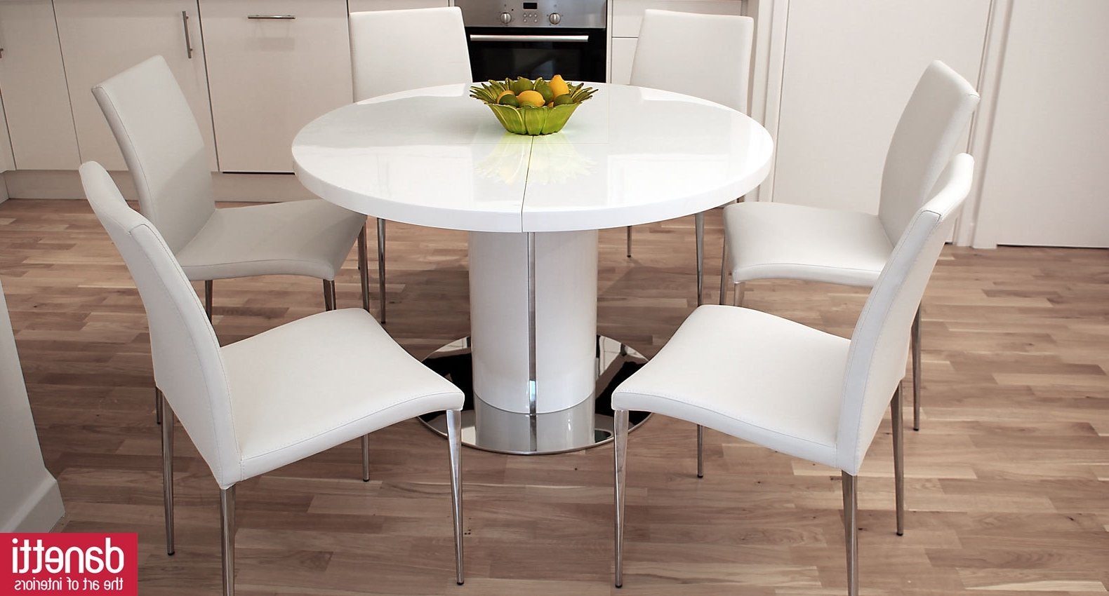 White Circle Dining Tables Regarding Well Known White Round Dining Table And Chairs White Circle Dining Table And Chairs (View 23 of 25)