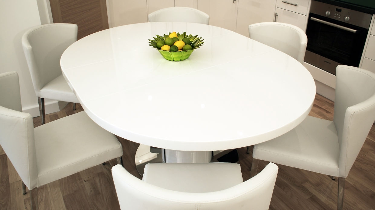 White Gloss Round Extending Dining Tables Intended For Best And Newest Dining Table Good Looking Furniture For Vintage Small Dining Room (View 10 of 25)