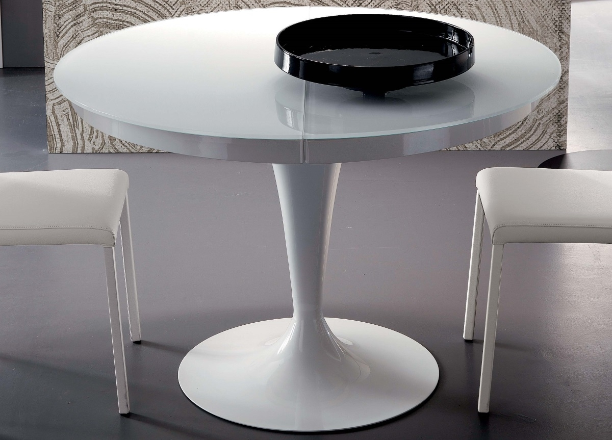 White Gloss Round Extending Dining Tables Pertaining To Well Known Ozzio Eclipse Round Extending Dining Table (View 21 of 25)