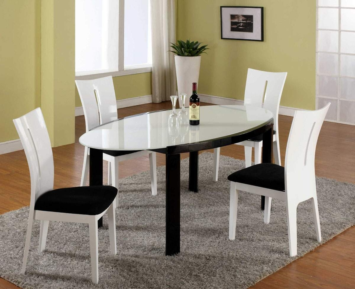 White High Gloss Oval Dining Tables In Most Current Wonderful Microfiber Dining Seats With Oval Shaped Dining Table In (View 23 of 25)