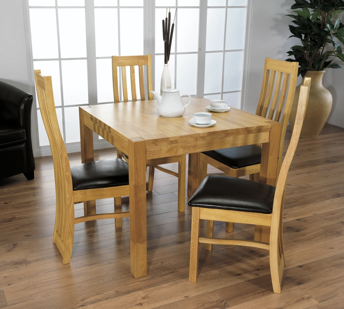 Why A Small Dining Table And Chairs Is A Premium Choice – Blogbeen Intended For Popular Small Oak Dining Tables (View 19 of 25)